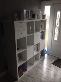 Storage Unit with 4 inserts