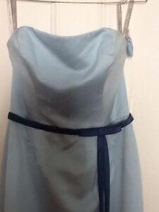 Gorgeous blue formal dress size 10 Cleveland Redland Area Preview