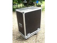 Flight Case for bass cab and multiple items very useful