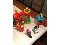 Happyland playset - great condition