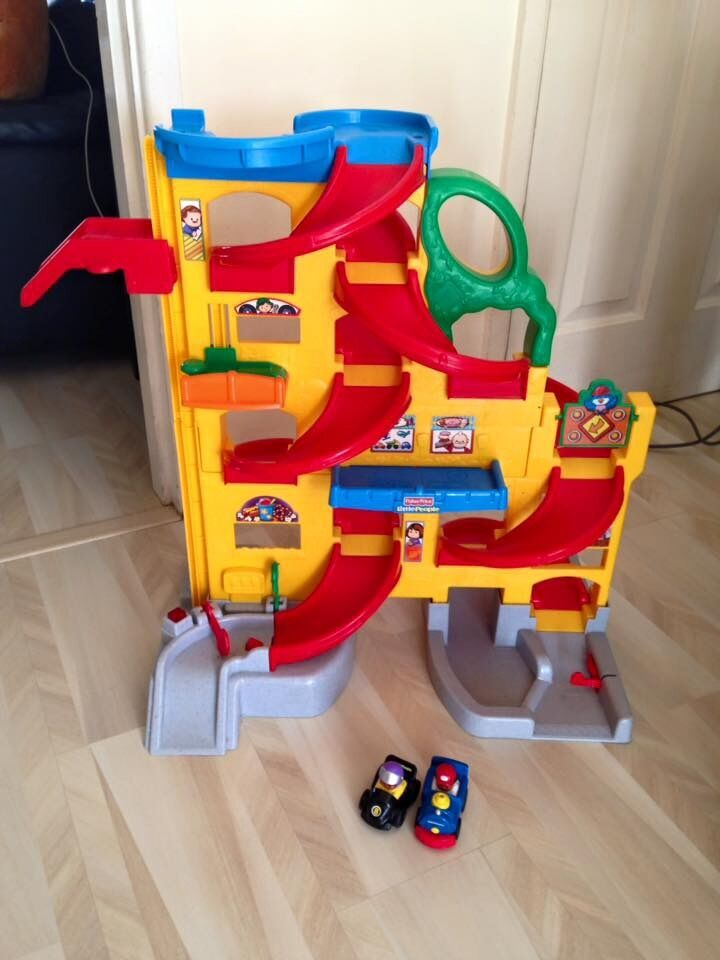 Fisher Price Little People Wheelies Stand and Play Rampway Playsetin Congleton, CheshireGumtree - Fisher Price Little People for Sale In great condition Product Details The Fisher Price Wheelies Stand n Play Rampway from the Little People® range stands at 2ft tall, a great encouragement for toddlers to stand and reach the top. The Stand n...