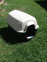 Small dog kennel Myaree Melville Area Preview