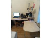Amazing desk