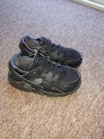 Kids Nike Hurache size 7.5