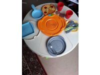 Fisher Price Servin' Surprises kitchen & table