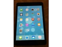 Apple Ipad Mini 1st generation Wifi 16 gb grey crack on screen fully working