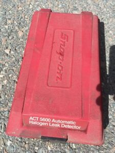 Snap on act 5600 automatic halogen leak detector