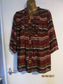 RUSTIC COLOURS PATTERNED BLOUSE / SHIRT WITH SLEEVES SIZE 14 BY BM