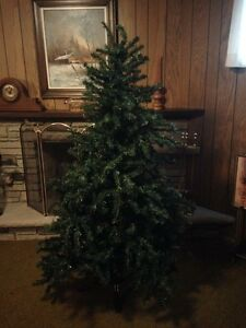 Artificial Christmas Tree w/Lights