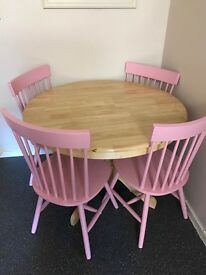 Extendable Dining Table and 6 Pink Chairs