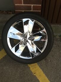 Multi stud fit 17 inch chrome alloys and centres