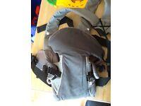 Baby carrier, unisex colour, excellent condition