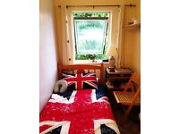 Single room for rent, Town center, 5 minutes to Luton Mall, 5 minutes to Sainsbury and Station