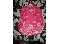 measures 9 x 5 inch PINK AND WHITE ZIP UP PUMP TYPE BAG BRAND NEW FROM CLAIRES