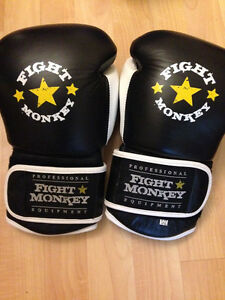 Great quality brand new 12oz boxing gloves