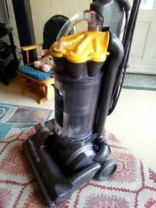 DYSON 33 VACUUM CLEANER Glenbrook Blue Mountains Preview