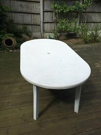 Garden Table for 4-6 people