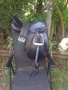 "15 1/2"" G. Kieffer München dressage saddle Stroud Great Lakes Area Preview"