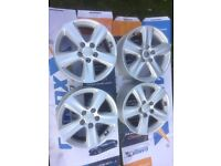 Set of Kia Sportages 16 inch alloy wheels x 4