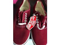 Mens Vans Trainers Size 9 - Brand New