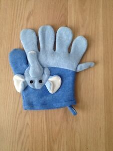 (Brand New) Baby elephant soft glove body bath massager Wilson Canning Area Preview