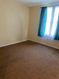 Bright 1 Bedroom Flat to Rent - Cavendish Road - N4
