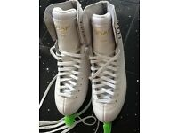 Graf 500 ice skate - LIKE NEW!!!! FREE BAG!