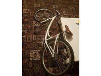 Lovely White Vintage-Looking Ladies Bike + Helmet + Lock