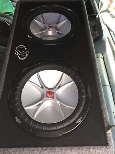 For sale 2 cvr 12 inch kickers with box