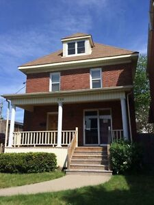 Rooms for rent near St. Lawrence College