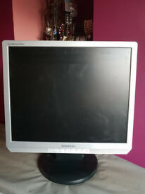 Samsung 19'' monitor
