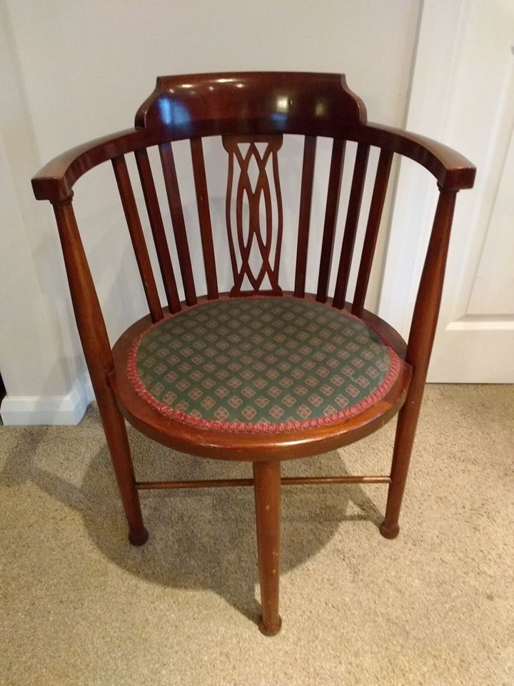 Antique Mahogany Curved Back Hall Corner Chair Near