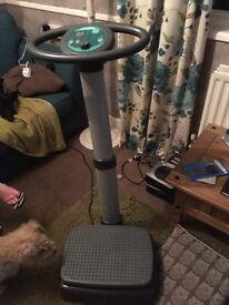 Vibrating plate gym machine