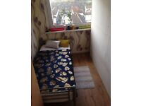 **DOUBLE ROOM SURREY QUAYS** THREE LINES CONNECTION - CALL ME NOW