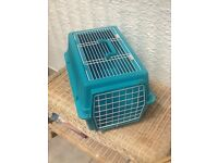 Pet carrier suit small dog cat or similar sized pet £6 old coulsdon surrey