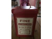 Retro biscuit tin