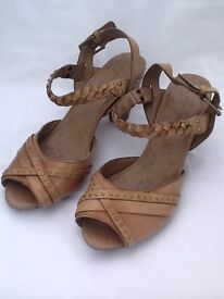 M&S ladies footglove leather Sandles unworn size 6 1/2. Only £6.00