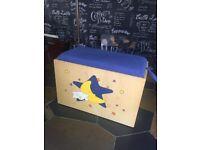 SMALL MOON & STARS TOY BOX / SEAT