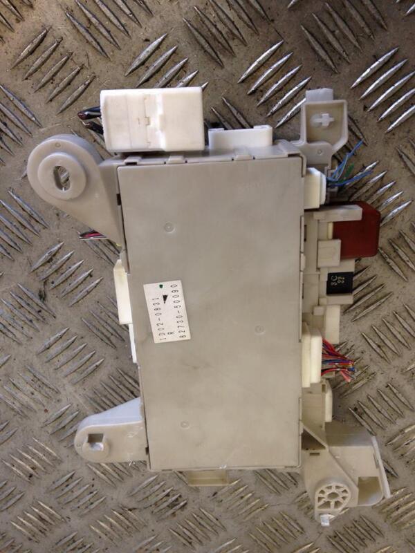 2001 SALOON LEXUS LS430 LS 430 4.3 FUSEBOX FUSE BOX 82730-50090