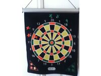 Toy magnetic dartboard