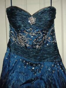 Blue Prom Gown Kingston Kingston Area image 2