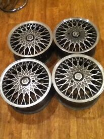 FORD SIERRA RS 500 COSWORTH WHEELS WITH CENTRE CAPS AND LOCKS