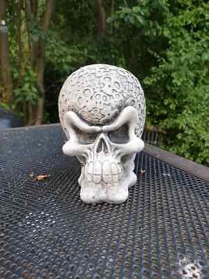 Steinfigur Zombie Gothic Totenkopf Schädel Totenschädel Skull Steinguss Comic