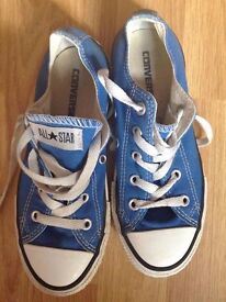 BLUE KIDS ALL STAR CONVERSE TRAINERS