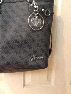 Authentic New Guess Bag Leppington Camden Area Preview