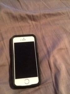 iPhone SE great condition with Outta box