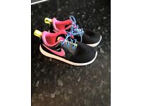 GIRLS FOOTWEAR IMMACULATE COND