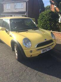 Yellow Mini One 51 plate