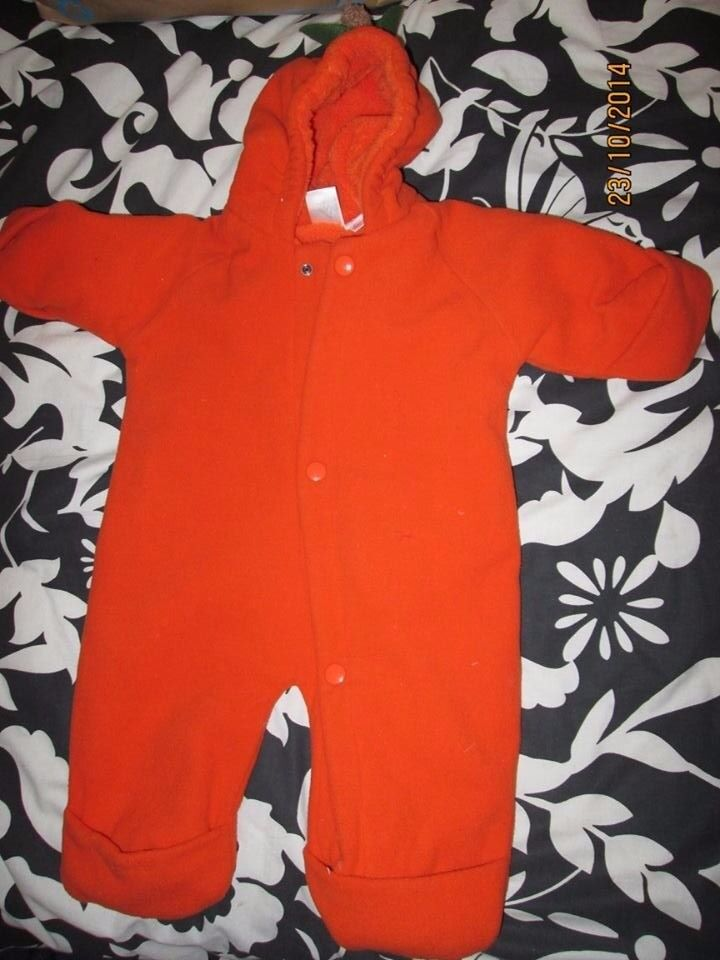 PADDED BABIES PUMPKIN OUTFIT BY GAP AGE NEWBORN 5/7 KG great for halloween party