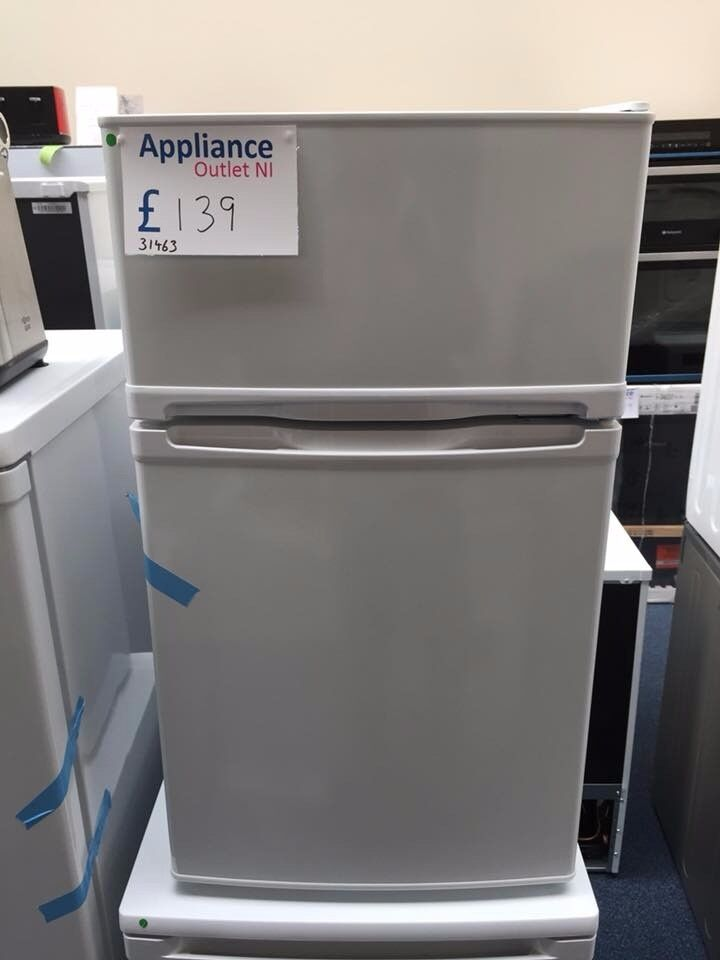 EX-DISPLAY UNDER-COUNTER 70/30 FRIDGE FREEZER REF: 31463